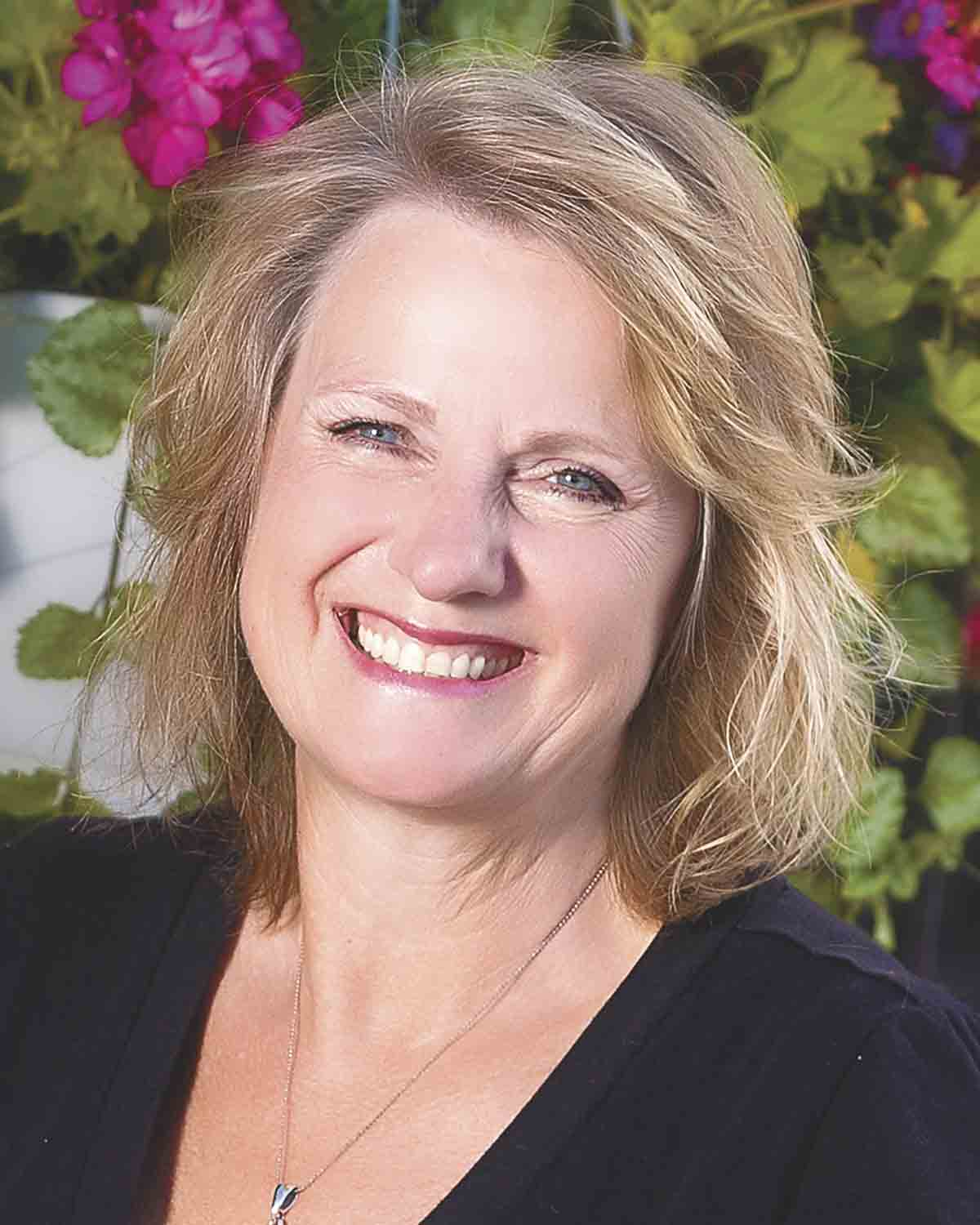 2016 Citizen of the year: Gail HackmanGail Hackman Citizen of the YearBy Chris Debackcdeback@thefayettecountyunion.comVolunteering is the selfless act of a person giving his or her time to a cause or event without the expectation of pay. It can be...